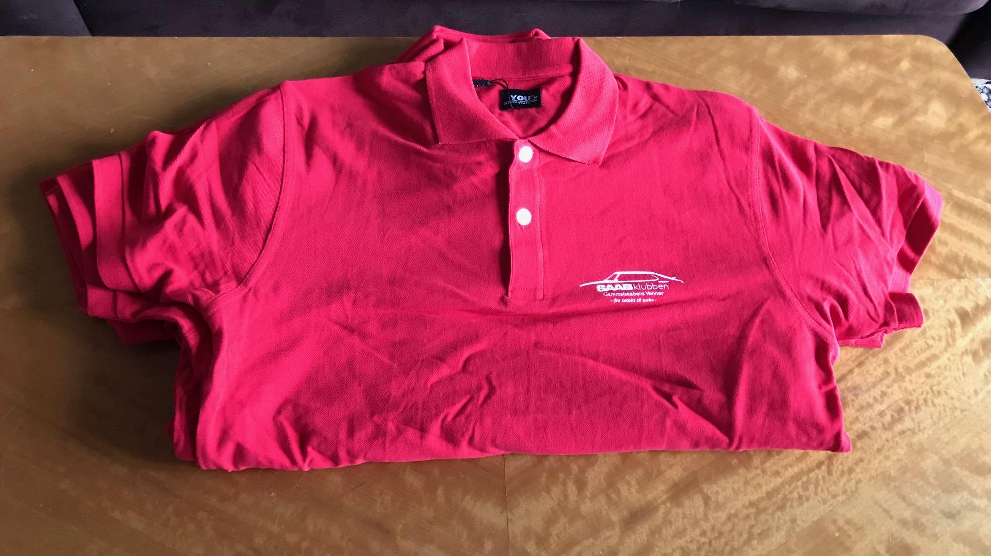0c22ce9b GSV piquet-skjorte Rød (ny logo) - Gammalsaabens Venner